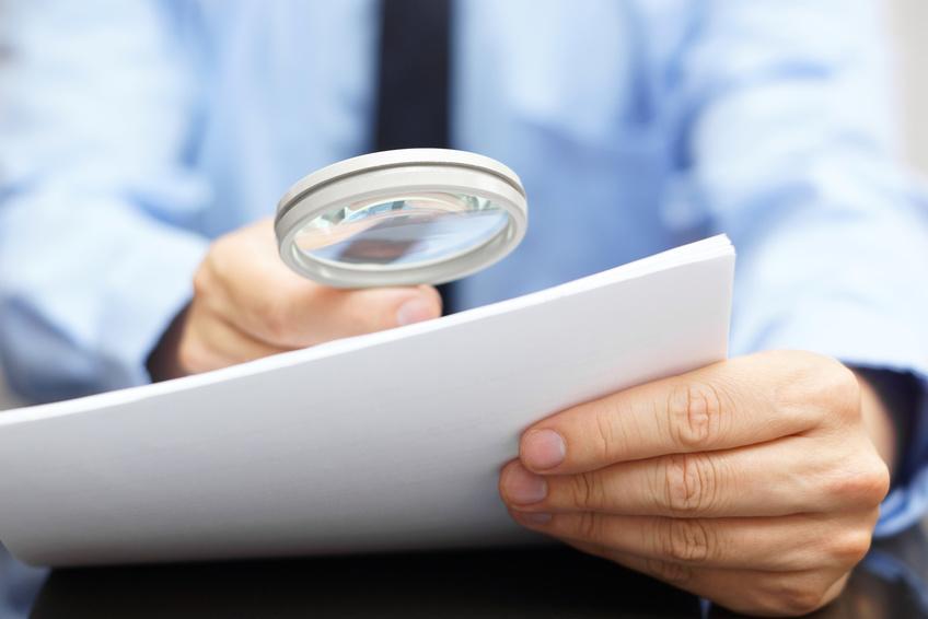 Perito judicial: Identificación de falsificación de documentos, ropa y marcas